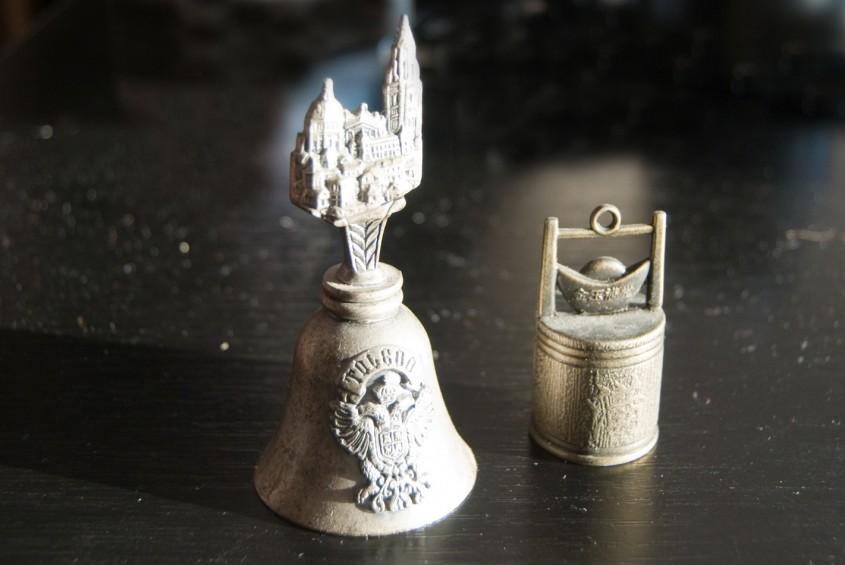 Clopotei din argint si arama (foto: Alina Miron) - Argintul si arama isi recastiga usor luciul