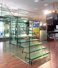 Scara completa din sticla Showroom sediul Spectrum - Proiectare, procesare si montaj scara din sticla Showroom Sediu Spectrum