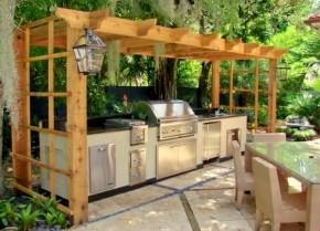Bucatarie de vara deschisa, cu pergola, in stil contemporan - Cateva idei pentru amenajarea bucatariei de vara