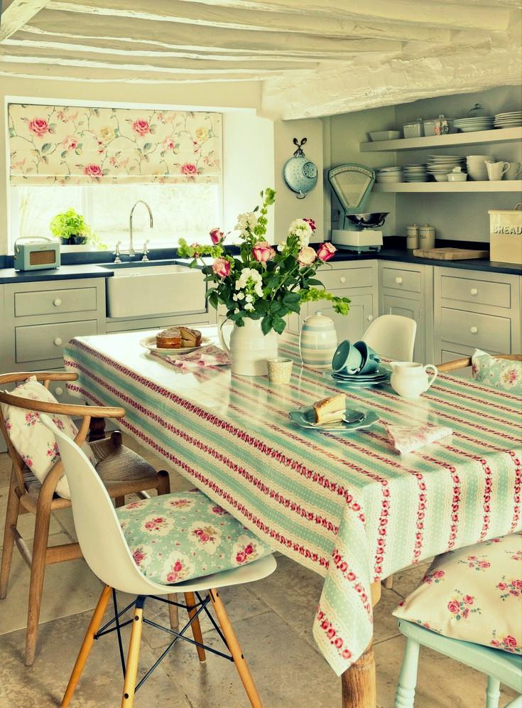 Bucatarie de vara semi-deschisa stil confortabil cu elemente decorative diverse - Cateva idei pentru amenajarea bucatariei