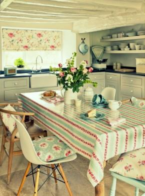 Bucatarie de vara semi-deschisa, stil confortabil, cu elemente decorative diverse - Cateva idei pentru amenajarea bucatariei de vara