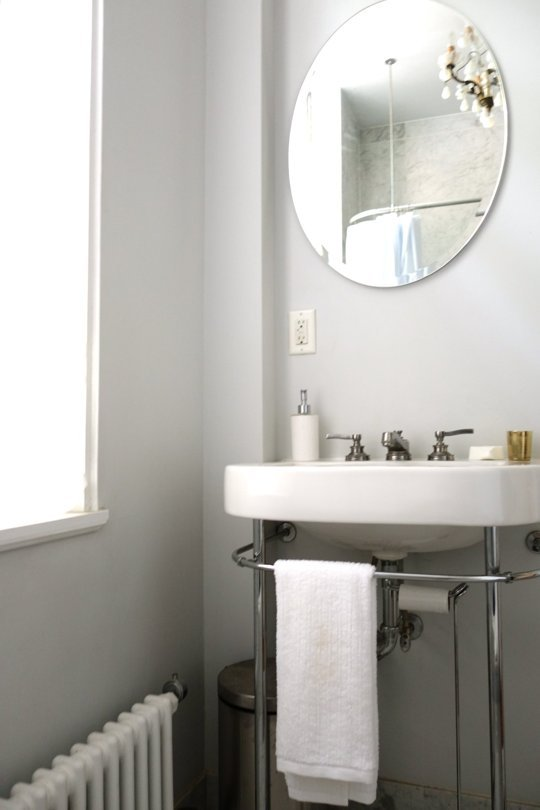 Un studio minimal aranjat cu gust  - Un studio minimal aranjat cu gust