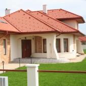Invelitoare cu tigla din beton ROMANA - Rosu caramiziu - Tigla din beton - Romana