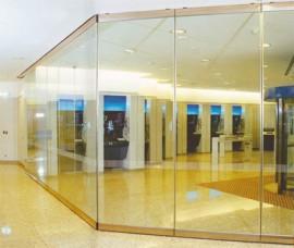 Pereti mobili transparenti, din cristal, cu glisare pe orizontala KRISTAL - Peretii mobili glisanti pe orizontala, transparenti