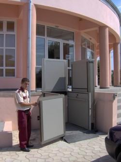 Elevator pentru persoane cu dizabilitati OPAL - Distrigaz Gaesti - Elevator pentru persoane cu dizabilitati OPAL