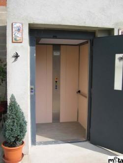 Elevator pentru persoane cu dizabilitati ELVORON - Interior cabina - Elevator pentru persoane cu dizabilitati ELVORON