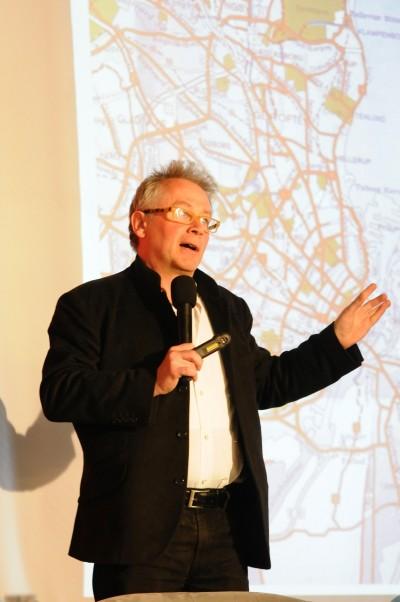 Arh. Peter Bishop - OAR recomanda viitorilor primari o regandire a spatiilor publice