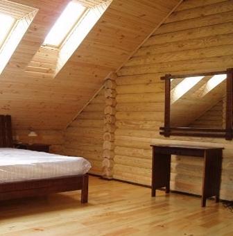 lambriuri lemn LIAN 99 - Lambriurile de lemn ofera caldura unui interior (lambriuri de la LIAN