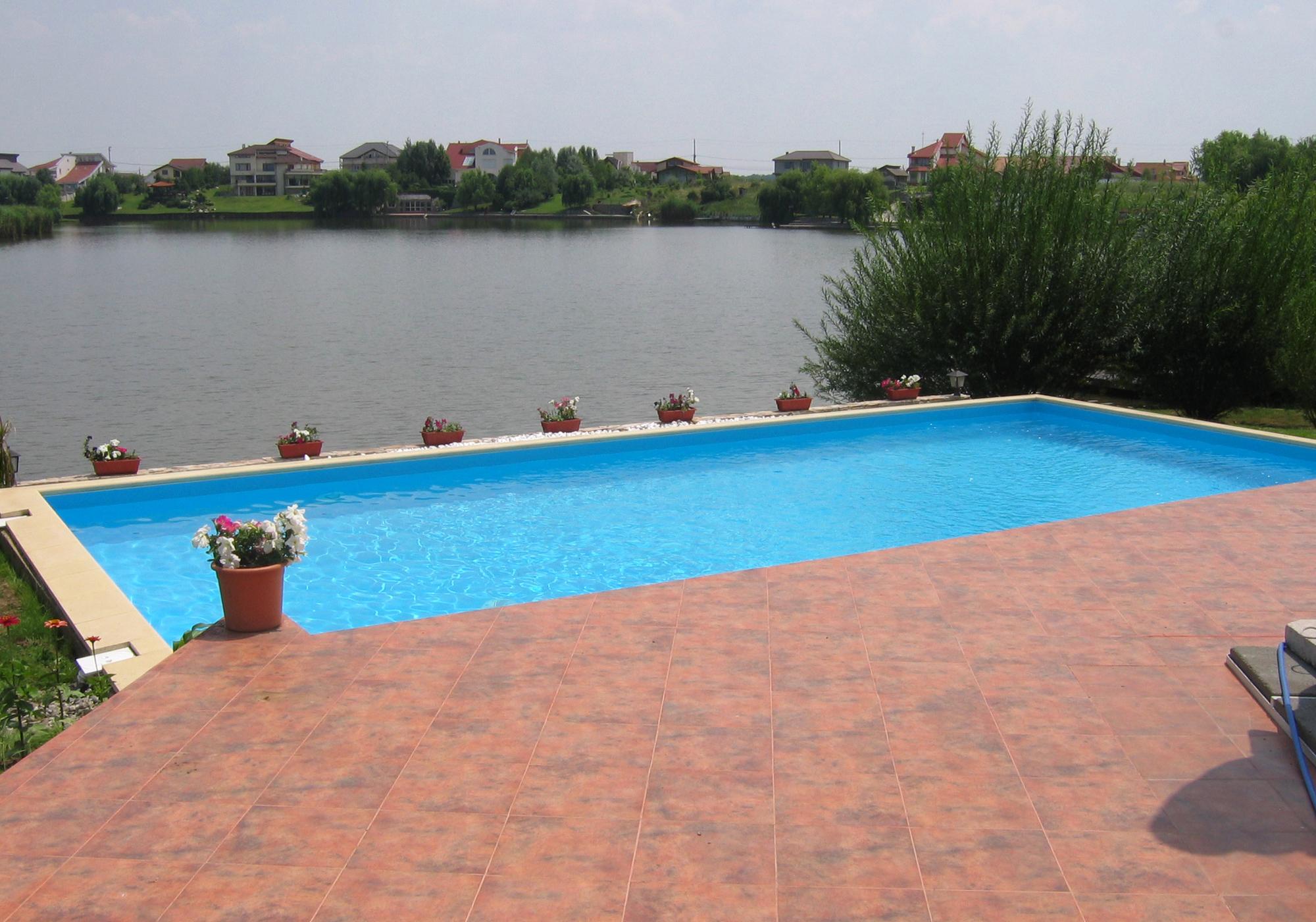 piscine rezidentiale din panouri modulare de otel. Black Bedroom Furniture Sets. Home Design Ideas