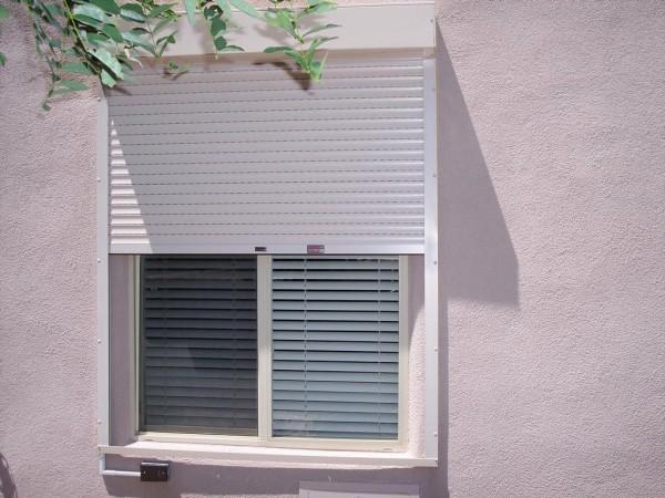 foto: www.windsordoorsales.com - Obloane rulante (foto: www.windsordoorsales.com)