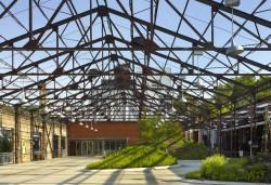 Centrul pentru Orase Verzi 3 - Veche fabrica din Toronto transformata in Centrul pentru Orase Verzi