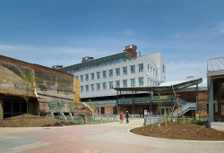 Centrul pentru Orase Verzi 4 - Veche fabrica din Toronto transformata in Centrul pentru Orase Verzi