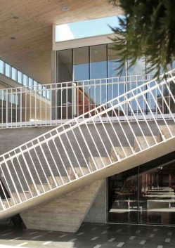 Liceul Maria Auxiliadora - Cladire administrativa pentru Liceul Maria Auxiliadora, Chile