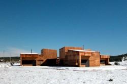 Casa pentru trei surori 8 - O casa pentru trei surori combina nevoile familiilor si designul spaniol