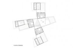 Casa pentru trei surori 13 - O casa pentru trei surori combina nevoile familiilor si designul spaniol