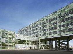 SKC Bratislava2 - O casa intoarsa cu josul in sus, un mod ciudat de a decora sediul companiei