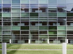 SKC Bratislava3 - O casa intoarsa cu josul in sus, un mod ciudat de a decora sediul companiei