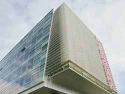 SKC Bratislava4 - O casa intoarsa cu josul in sus, un mod ciudat de a decora sediul companiei