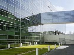 SKC Bratislava5 - O casa intoarsa cu josul in sus, un mod ciudat de a decora sediul companiei