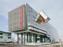 SKC Bratislava6 - O casa intoarsa cu josul in sus, un mod ciudat de a decora sediul companiei