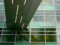 SKC Bratislava9 - O casa intoarsa cu josul in sus, un mod ciudat de a decora sediul companiei
