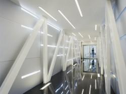 SKC Bratislava11 - O casa intoarsa cu josul in sus, un mod ciudat de a decora sediul companiei