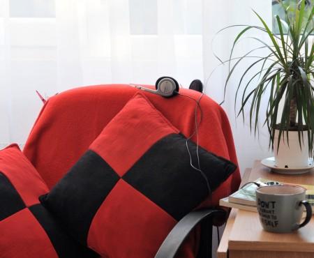 Dracaena imbogateste un colt de lectura, foto Alina Miron - Plantele fac sa para mai confortabil orice colt din casa