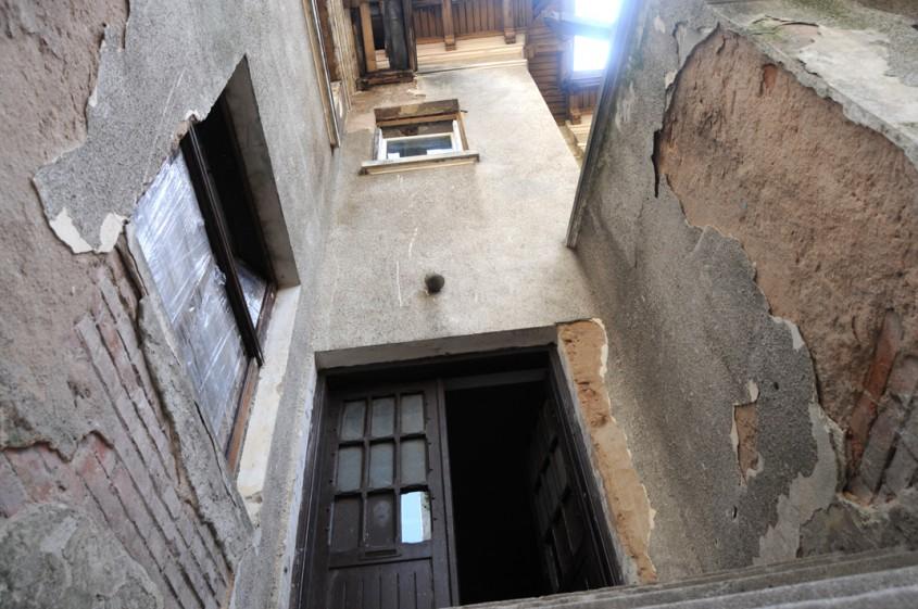 Intrarea in casa depe Carol 53 (foto Marius Ghinete) - Intrarea in casa de pe Carol