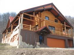 Casa din lemn rotund - Casa din lemn rotund