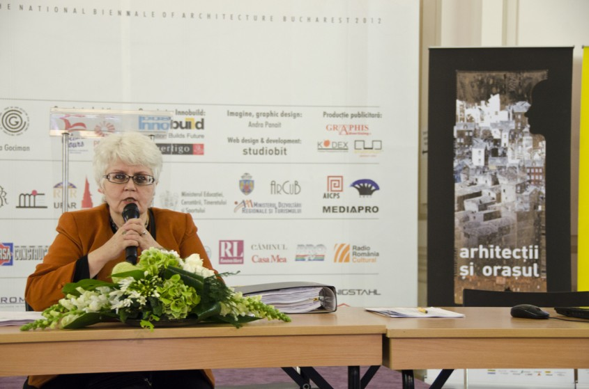 Conferinta de presa Comisar prof dr arh Cristina Olga Gociman - Conferinta de presa spatiul de