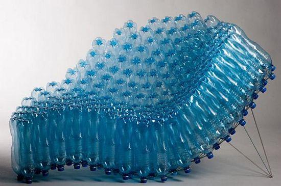 Un fotoliu foarte comod din peturi de plastic creat de Pawel Grunert - Designeri din cele