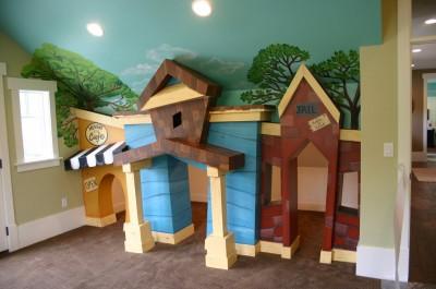 httpwww.utahnewhomeblog.com - Pictura murala, autocolantele sau accesoriile suspendate de tavan creeaza o atmosfera specifica varstei