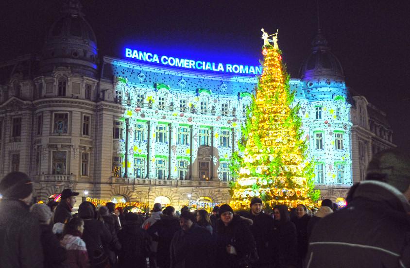 La Bucharest Christmas Market a fost instalat anul acesta cel mai mare brad din Capitala -