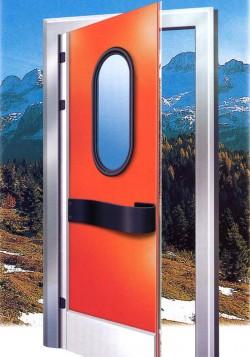 Usa frigorifica batanta din polietilena pentru separarea spatiilor de lucru - Usi frigorifice 3