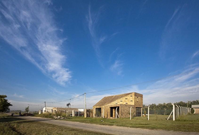 Casa Alejandra2 - Casa Alejandra, constructie din caramida plina realizata manual