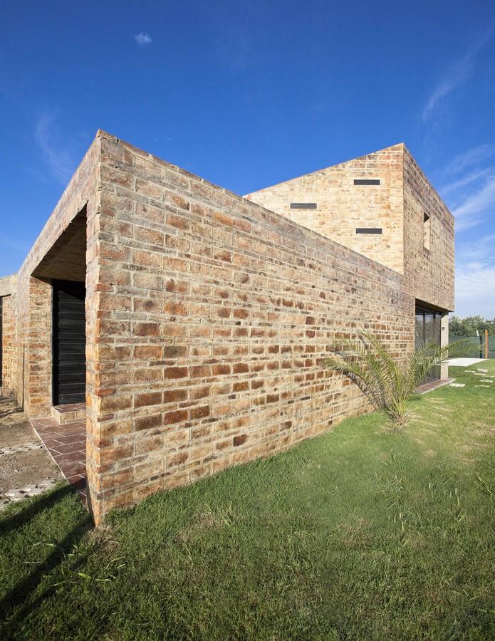 Casa Alejandra3 - Casa Alejandra, constructie din caramida plina realizata manual