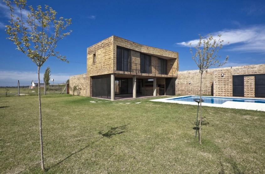 Casa Alejandra10 - Casa Alejandra, constructie din caramida plina realizata manual