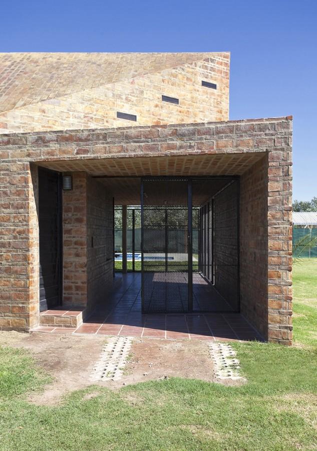 Casa Alejandra12 - Casa Alejandra, constructie din caramida plina realizata manual