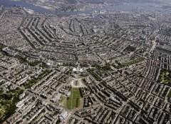 O vedere de sus atrage atentia asupra structurii urbane a Amsterdamului (foto: www.amsterdam-hotels-travel.com) - Randstad, Olanda