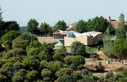 Casa din module3 - Casa realizata din sapte module prefabricate