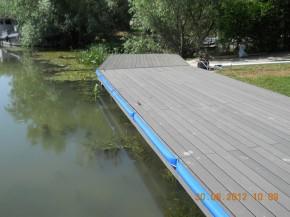 Amenajari tip decking pentru piscine terase si gradini for Amenajari piscine