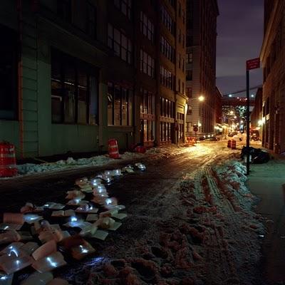 Luzinterruptus - literatura castiga batalia cu traficul in New York - Luzinterruptus - literatura castiga batalia