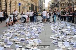 5416 - Evenimentul creat de ziarul Ring cu Editura Litera, in imagini. Multimea adunata spune totul