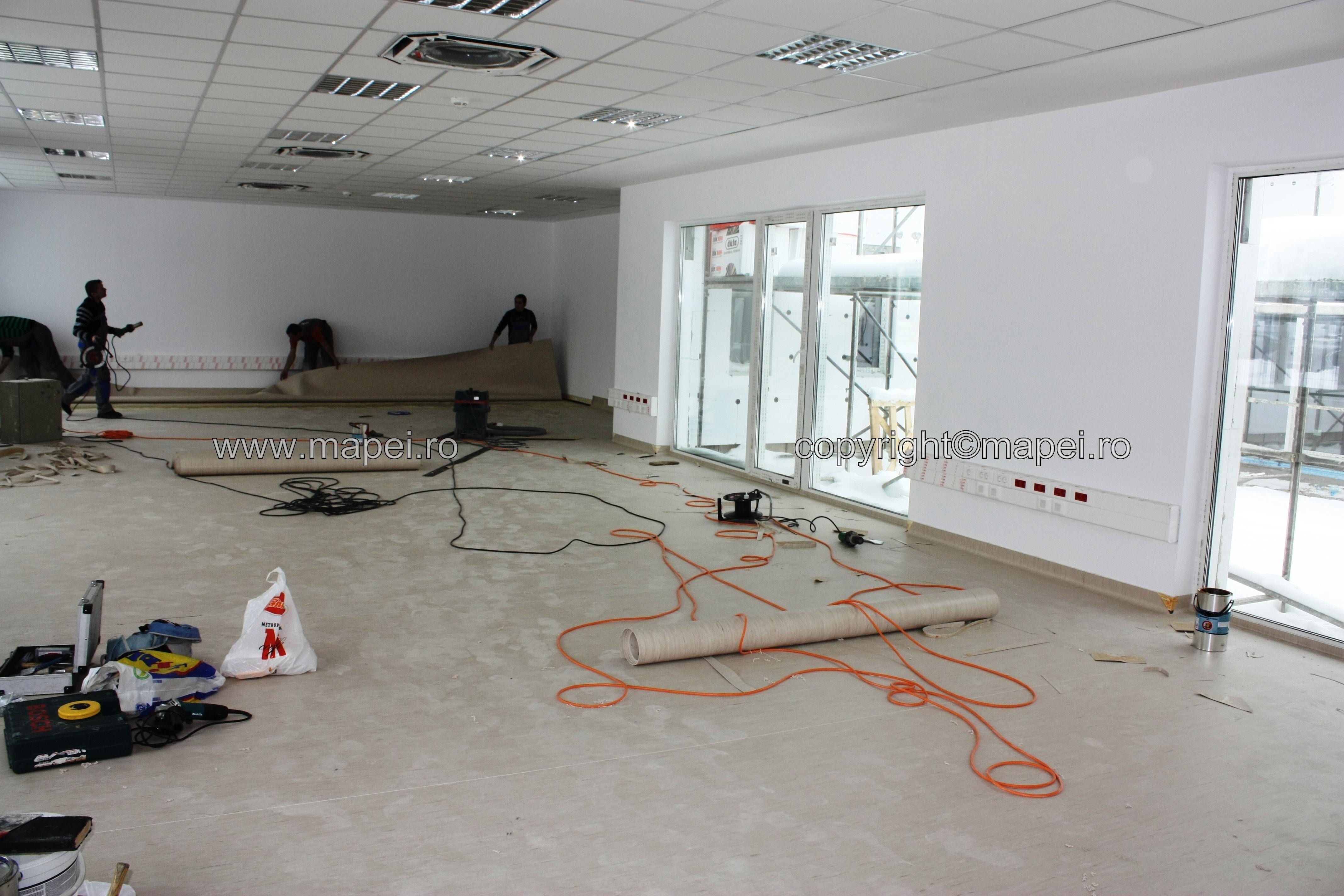 foto 32 - montaj covor PVC sapa autonivelanta - Galerie 12