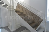 Scara design showroom - Scari cu vang lateral