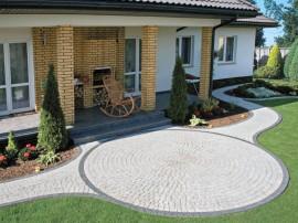 Pavaj cu suprafata spalata si beton amprentat - PALIO - Pavaje - Semmelrock