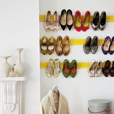Spatiu pe verticala pentru pantofi - Cinci idei de depozitare si organizare