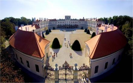 castelul esterhazy ungaria - Invelitori