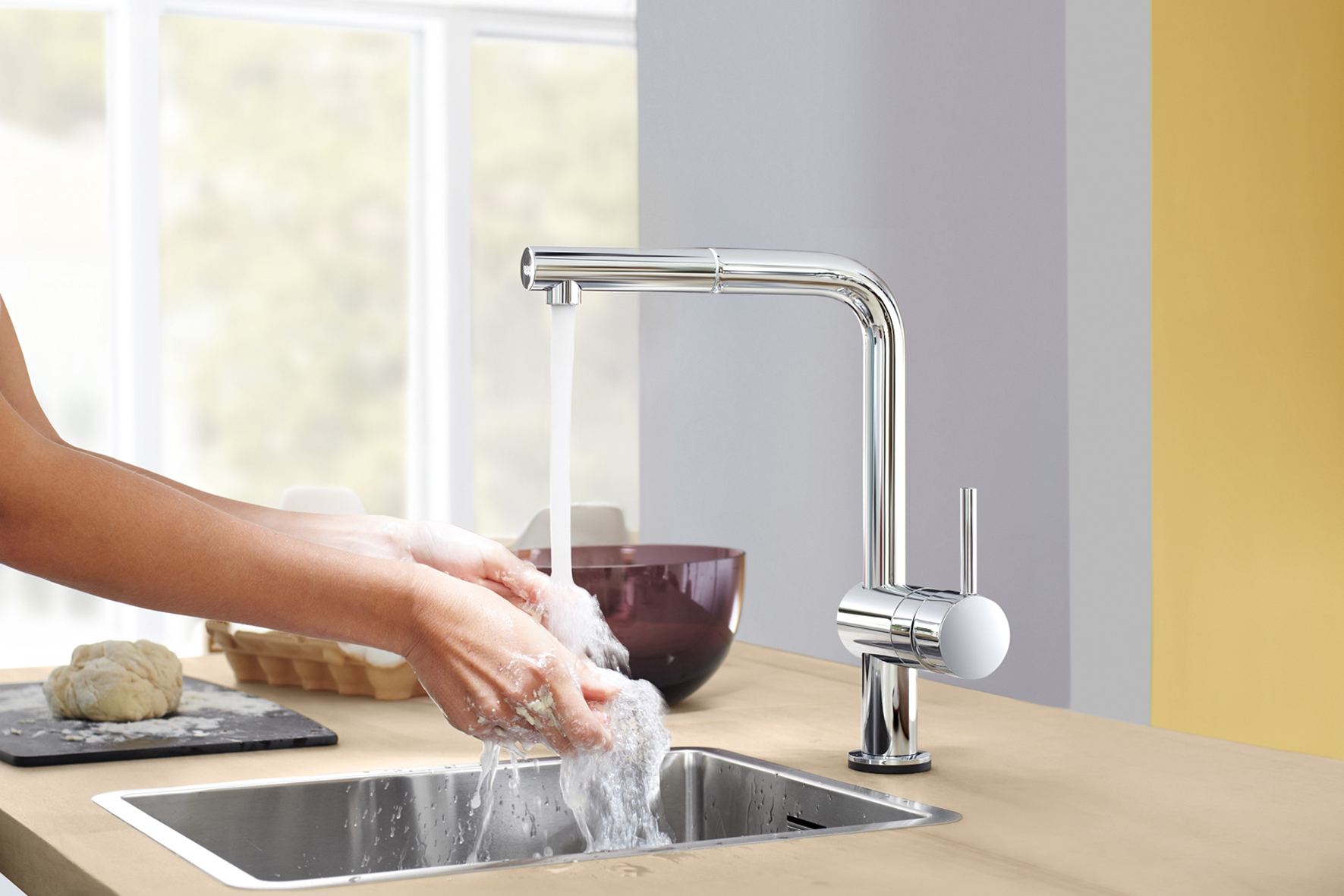 Bateria GROHE Minta Touch cu pipa tip L si cu aerator extractibil - Minta Touch