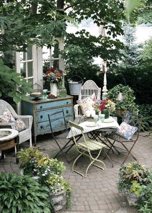 O gradina englezeasca - Foisoare, terase sau spatii semiinchise, usor de amenajat